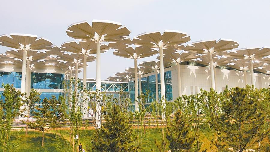 北京世園會「國際館」的外觀,其中梵蒂岡展區就位於館內二樓。(記者陳柏廷攝)