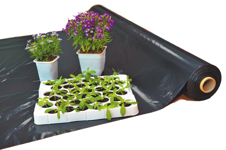應用宏力生物可分解塑膠於農業上的各種農業資材。(宏力提供)