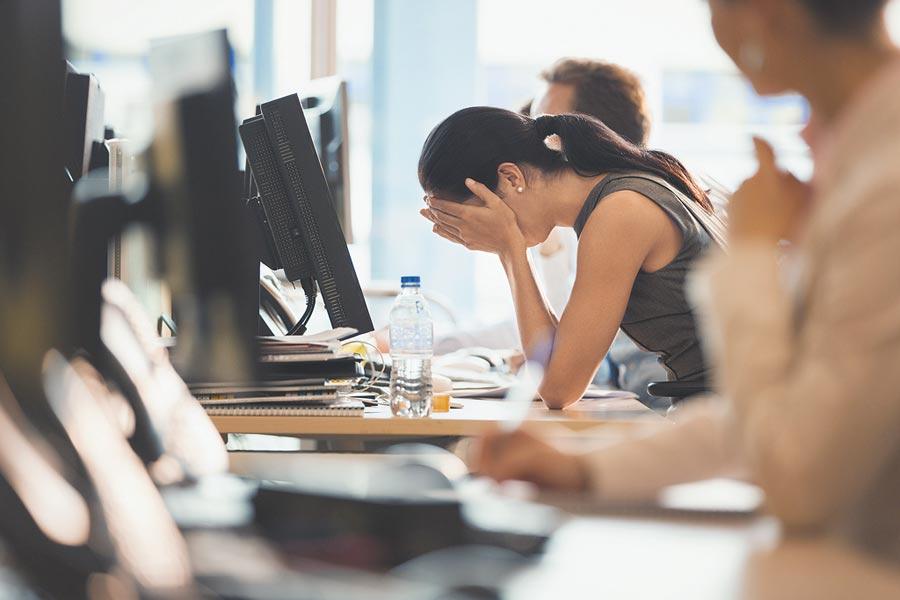 企業在試用期內解除勞動合同須依規定。(CFP)