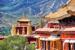 最難抵達的寺廟 懸空山上3千年