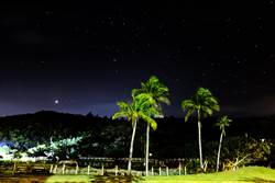 「星空吶喊」人潮破3000創紀錄 天文界驚豔滿州成觀星新景點