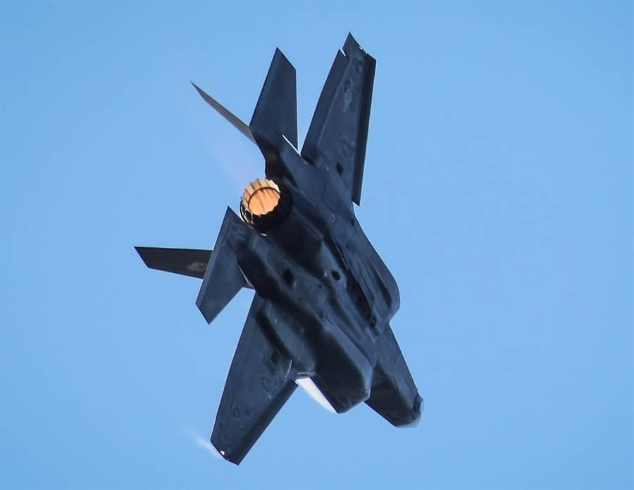 美國海軍陸戰隊F-35B戰機的資料照。(美國海軍)
