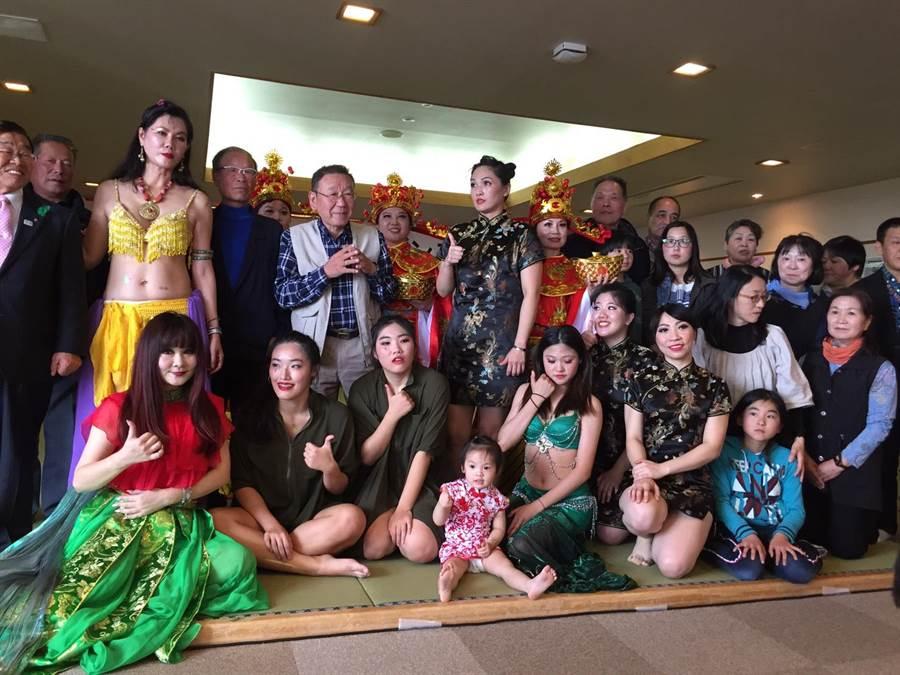 此行中台湾舞蹈家但也带着子弟兵参与北盐原村樱花祭开幕表演。