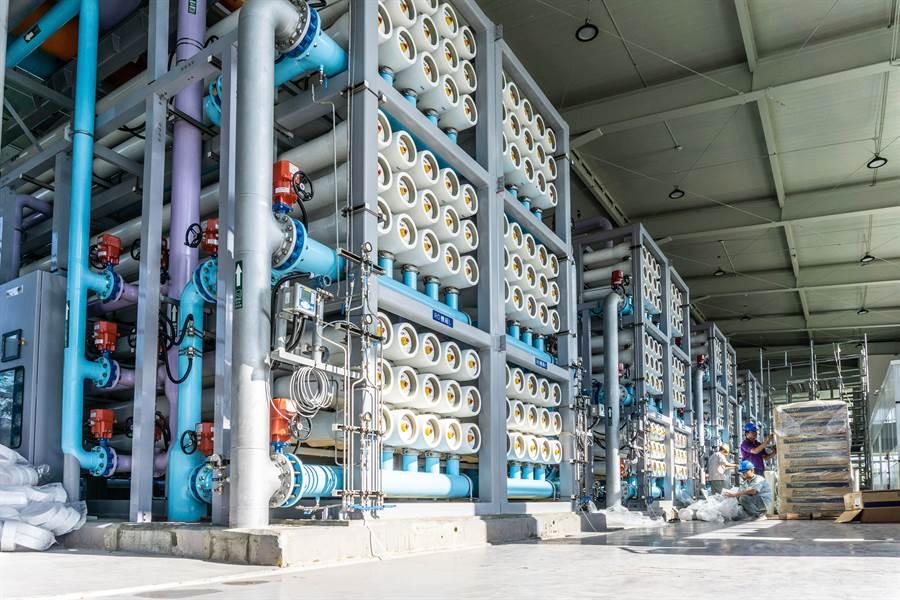 再生水廠過濾設備採模組化,可迅速擴充產能。(袁庭堯攝)