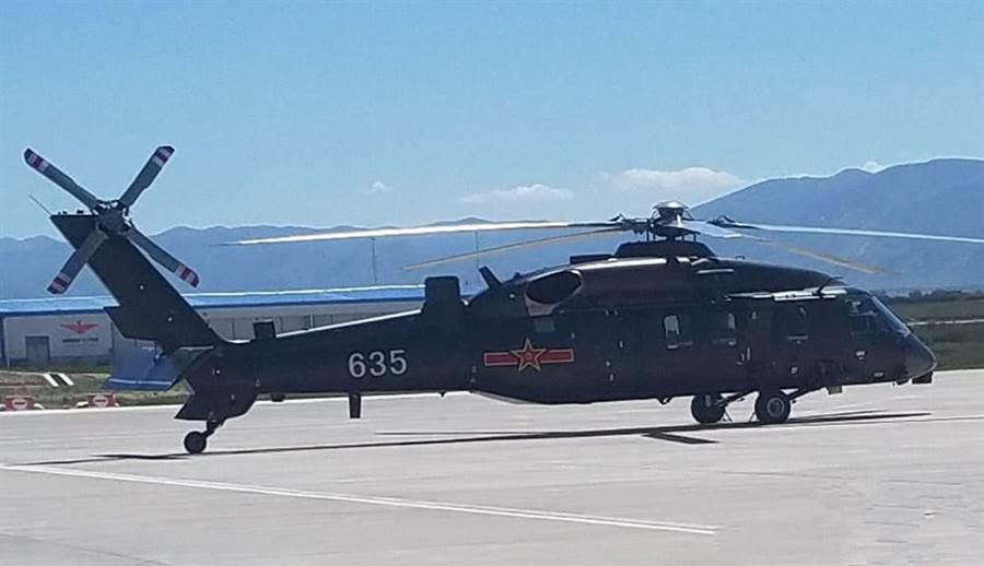 中共海軍目前將艦載反潛直升機寄望在直-20上。直-20已多次試飛,但尚未服役。(圖/網路)