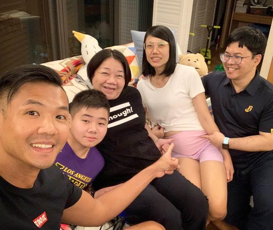 黑人报喜最震撼母亲节礼物 「多一对双胞胎」! - 中时电子报 Chinatimes.com -20190513003796