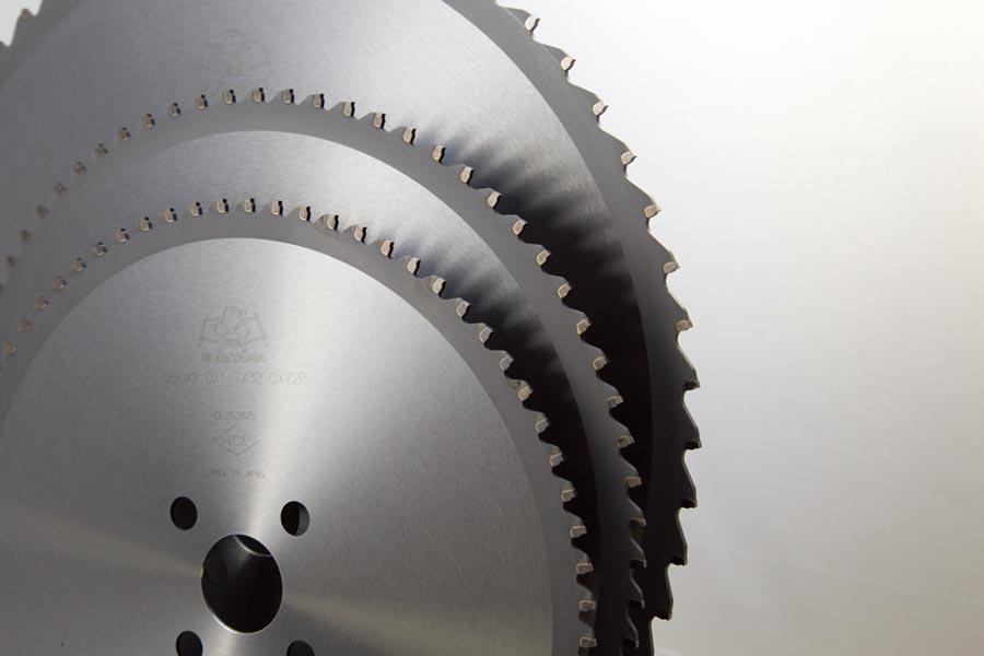京乙九貿易代理日本製杉山金屬切割機專用冷鋸圓鋸片。圖╱京乙九提供
