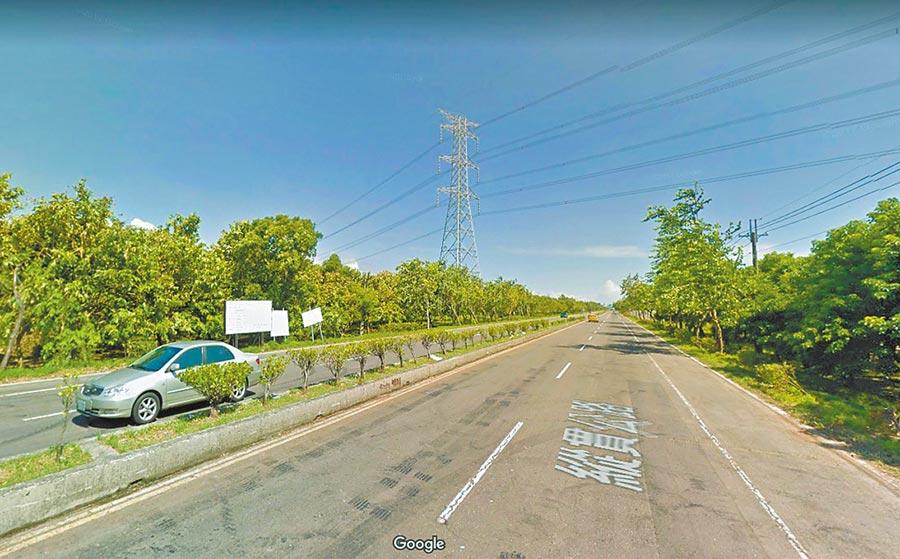 鄭男騎紅牌重機在屏東台一線路段狂飆被拍。(翻攝自Google Map)