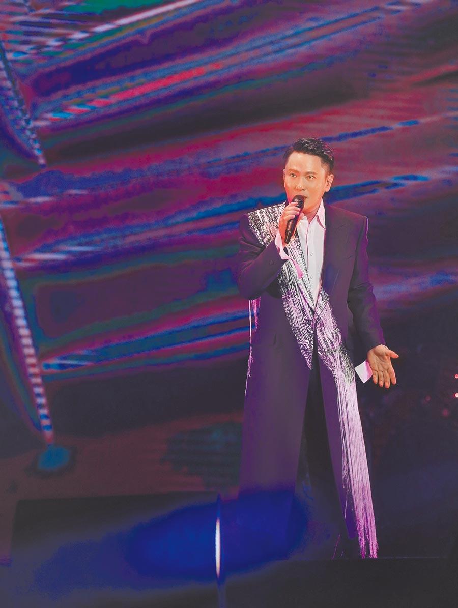 張信哲11日在新加坡室內體育館舉辦「未來式」世界巡演。