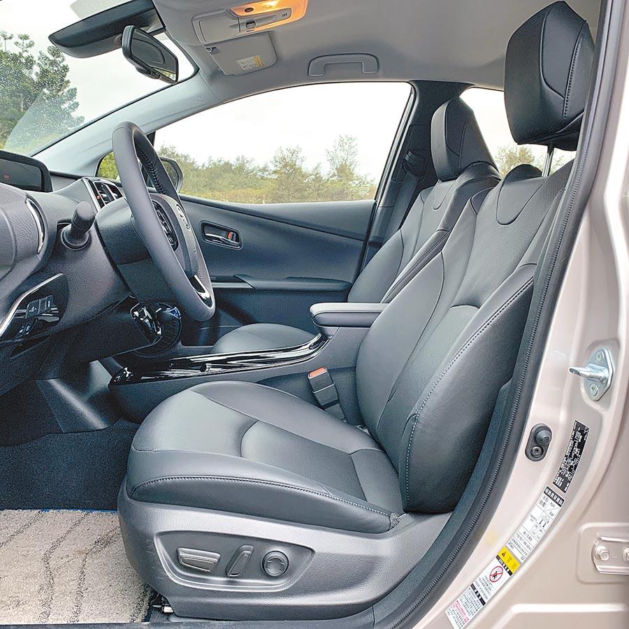 駕駛座具有8向電動調整。(陳大任攝)
