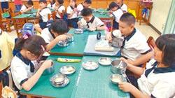 議員獻策 國中小營養午餐免費