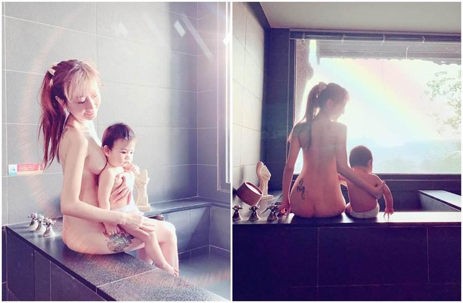 網紅「T妹」PO出全裸入浴照,引起網友議論。(圖/T妹臉書)