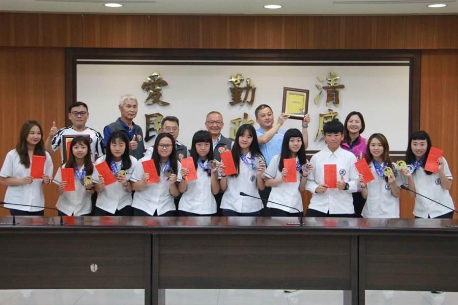 苗栗高中在木球項目表現亮眼,勇奪多面獎牌。(何冠嫻攝)