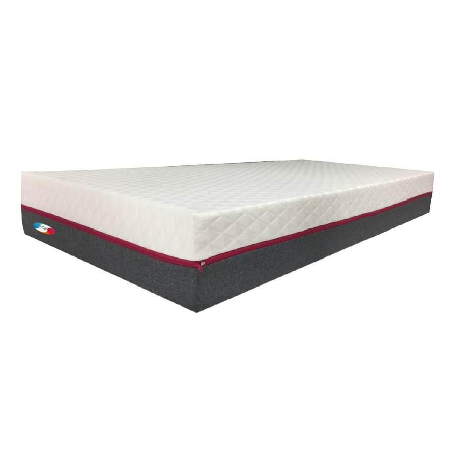 PCM AEROKAKI加床墊。(易眠床提供)
