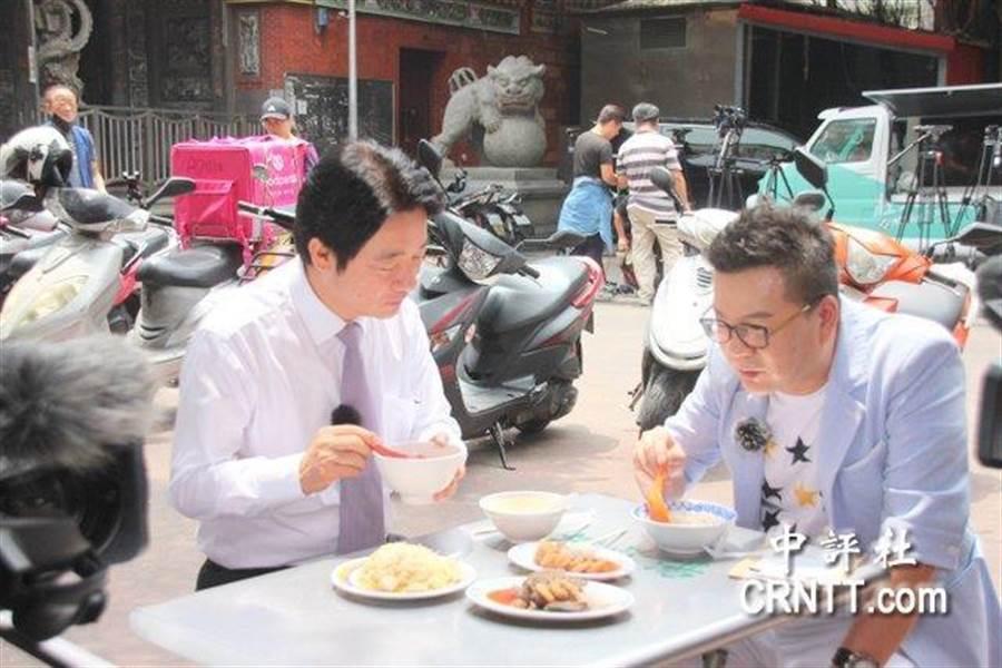 賴清德14日前往台北市慈聖宮與藝人沈玉琳錄製「琳惟不亂看選戰」網路節目。(中評社)