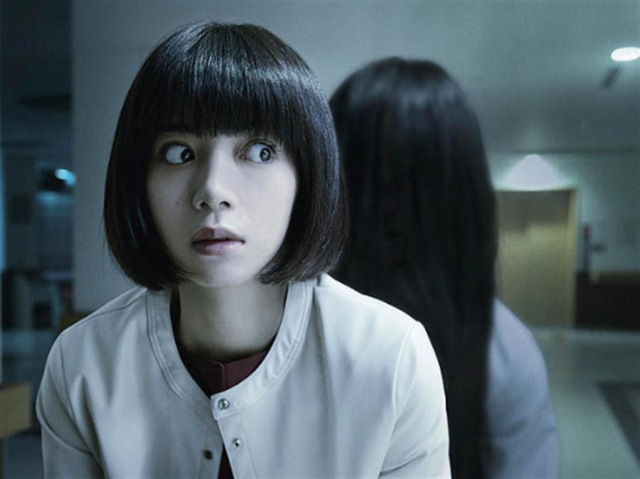 經典鬼片《貞子》當中,貞子的媽媽因超能力被撻伐最後輕生,而歷史上真的有參考人物。(圖/車庫娛樂提供)