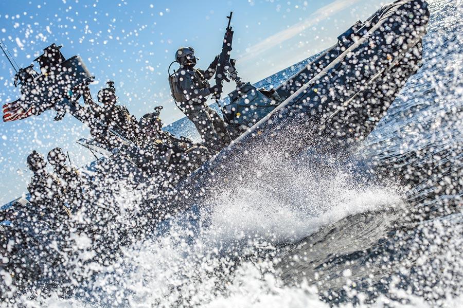 美國海軍陸戰隊搏浪演練。(取自美國海軍陸戰隊官網)