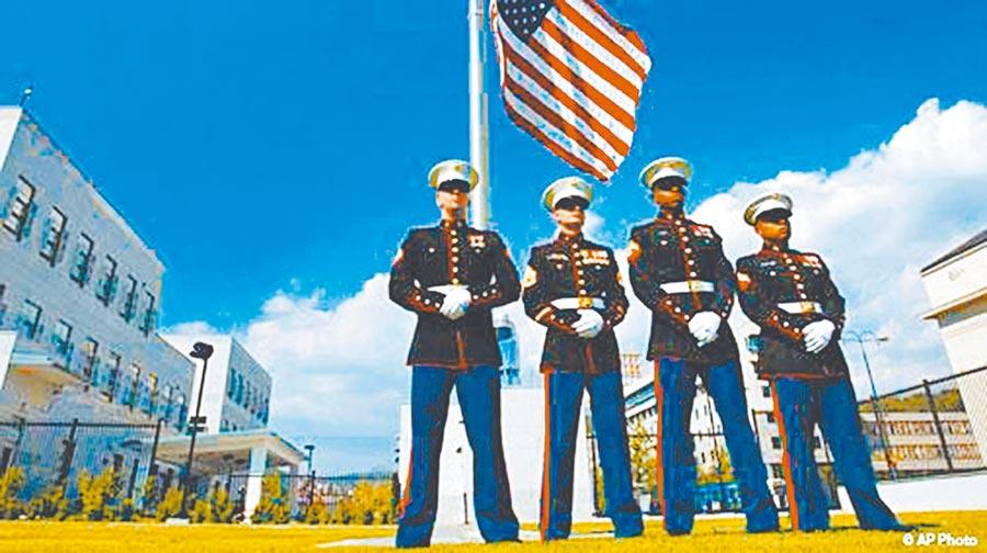 美國海軍陸戰隊進駐AIT,將牽動台海局勢。圖為巴黎的美國大使館陸戰隊員。(取自美軍使館警衛隊官網)