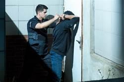 婦稱懷孕拒上銬 竟遭警連開5槍擊斃