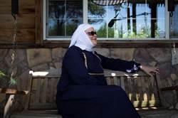 遊牧影展揭奇異人生  修女靠大麻翻轉人生!