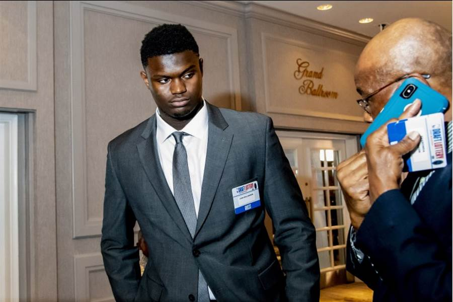 NBA薪資專家馬克思評估錫安威廉森的狀元籤將獲得4年4420萬美元合約。(路透社)