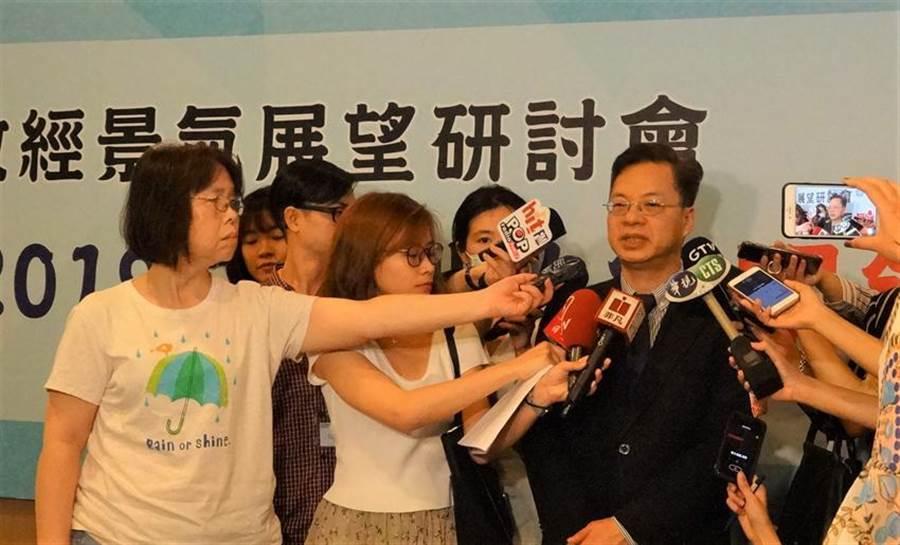 行政院政務委員龔明鑫接受採訪。(本報系資料照片)