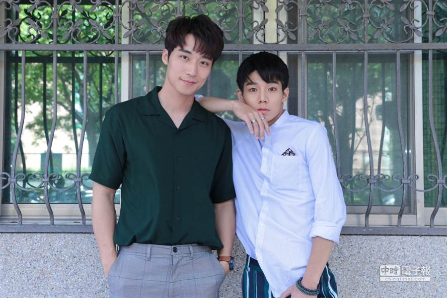 卞慶華(左)與陳廷軒(右)。(圖/記者廖映翔攝)