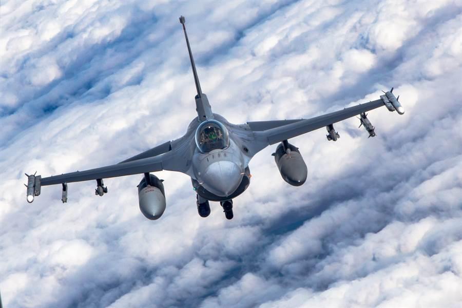 美國F-16戰機的資料照。(美國空軍)