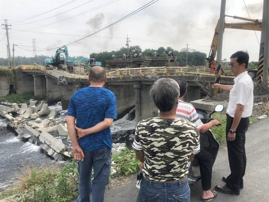 崙背鄉八角亭大排上的波浪橋去年九月緊急拆除。(資料照片/周麗蘭攝)