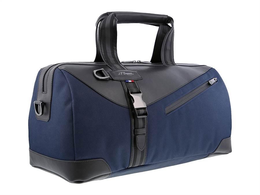 S.T.Dupont品牌年輕化,推出DEFI MELLENIUM旅行包,2萬800元。(迪生提供)
