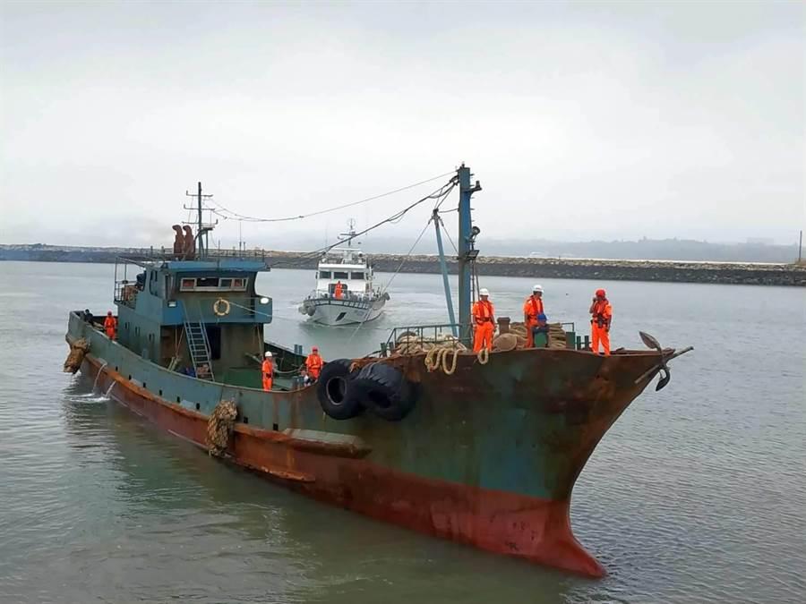 越界「無船名」陸船涉嫌違反兩岸人民關係條例,將由海巡署依法處分。(海巡提供)