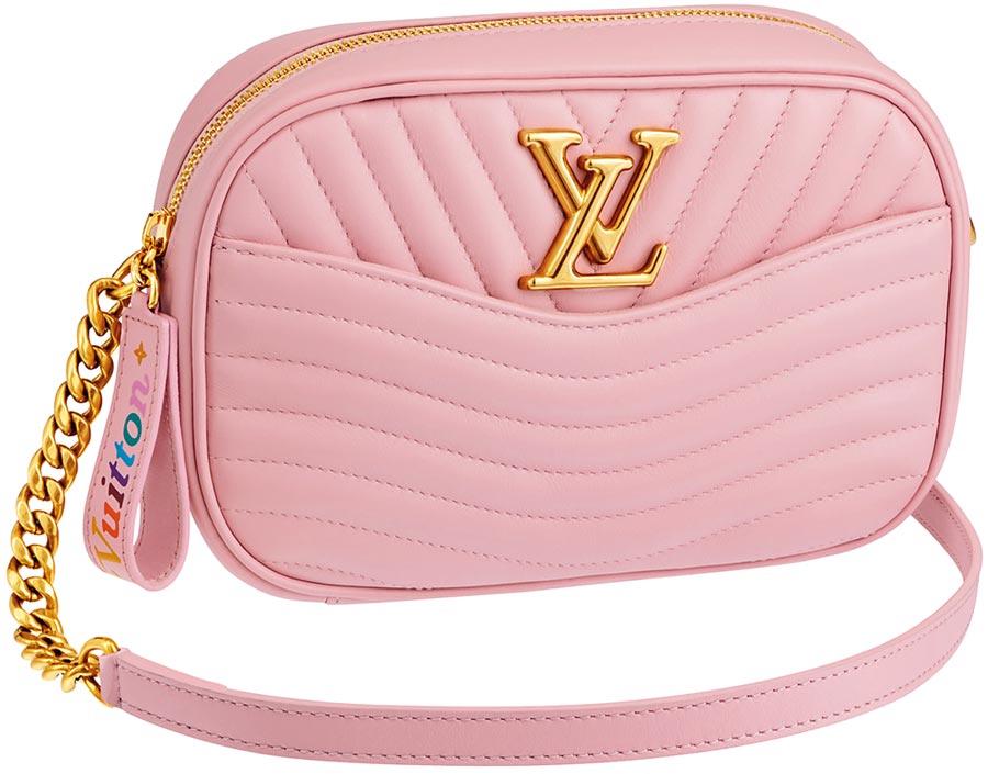 LV NEW WAVE粉紅色相機袋,6萬1500元。(LV提供)