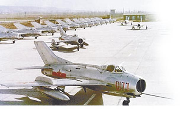 殲-6機隊。(取自中新網)