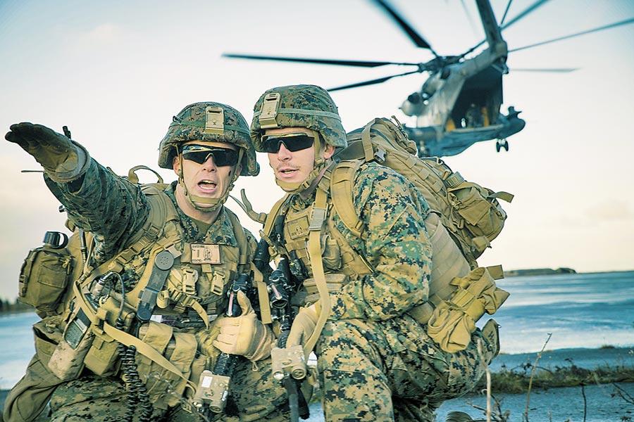 美國海軍陸戰隊進行空中突擊訓練。(取自美國海軍陸戰隊官網)