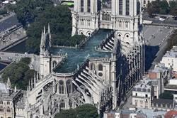 超狂!巴黎聖母院重建 他們想蓋空中泳池