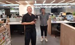 蔡明亮李康生報社巡禮 宣傳新作《你的臉+光》