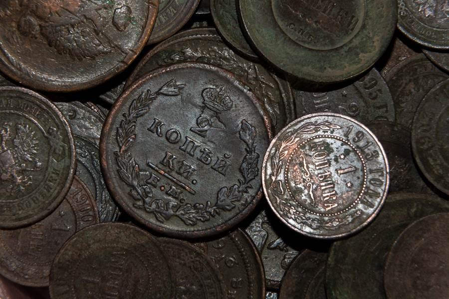 村莊挖出「4噸古錢幣」 窖藏坑曝光專家驚呆(示意圖/達志影像)