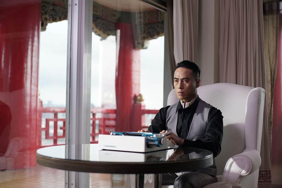 莊凱勛飾演來無影去無蹤的神祕殺手。(威視提供)