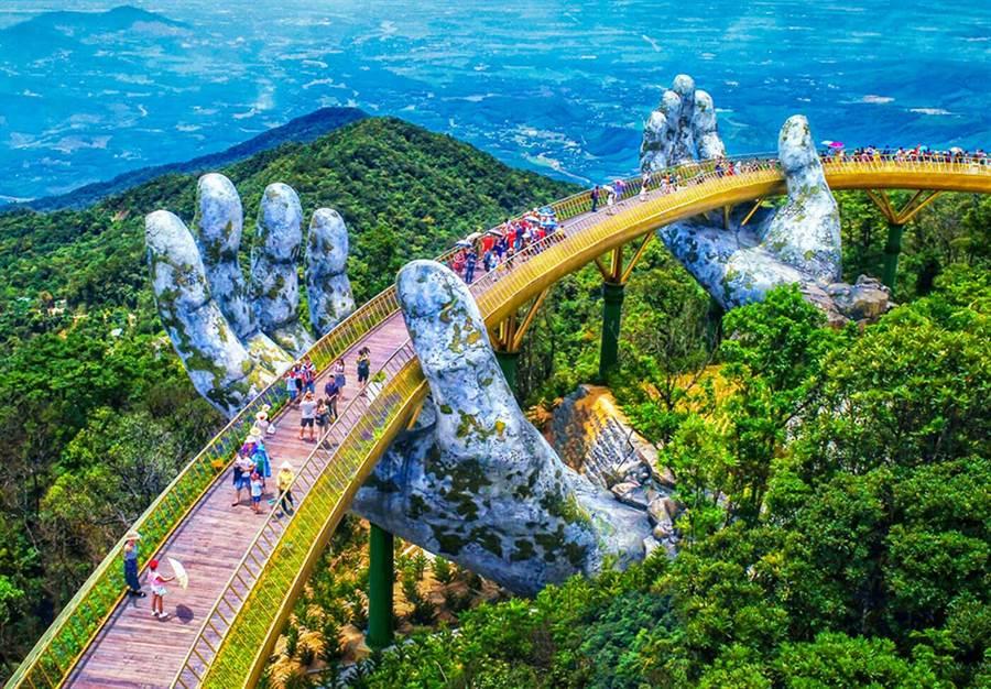 越南峴港巴拿山大手黃金橋/業者提供