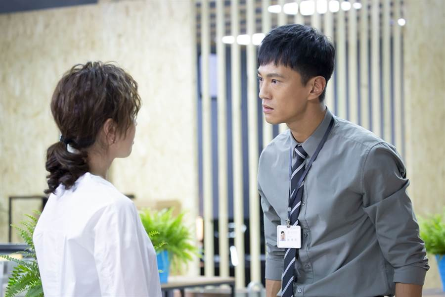 鍾承翰飾演的陳博昀熱血正義,與天心飾演的方箏有不少對手戲。(圖/中天提供)