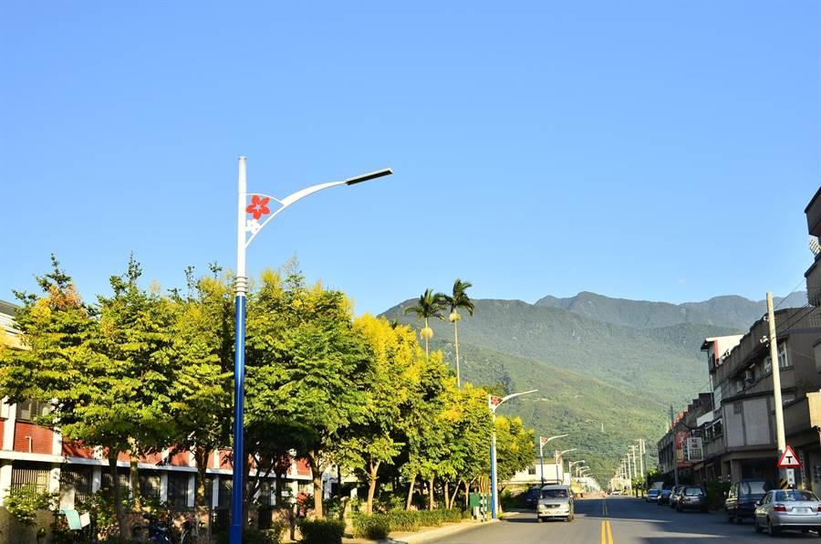 吉安鄉公所號召更多人一起加入認養路燈行列。(許家寧翻攝)