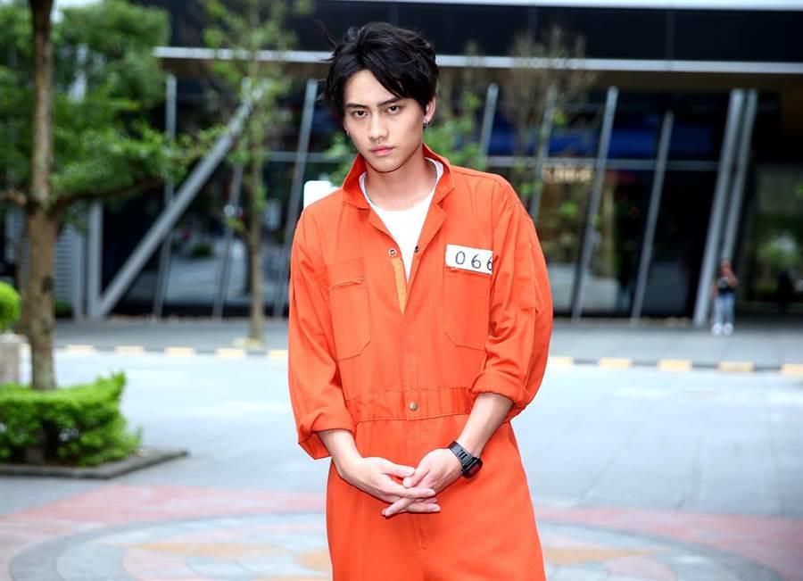 范少勳飾演一匹孤狼鬼哥。(粘耿豪攝)