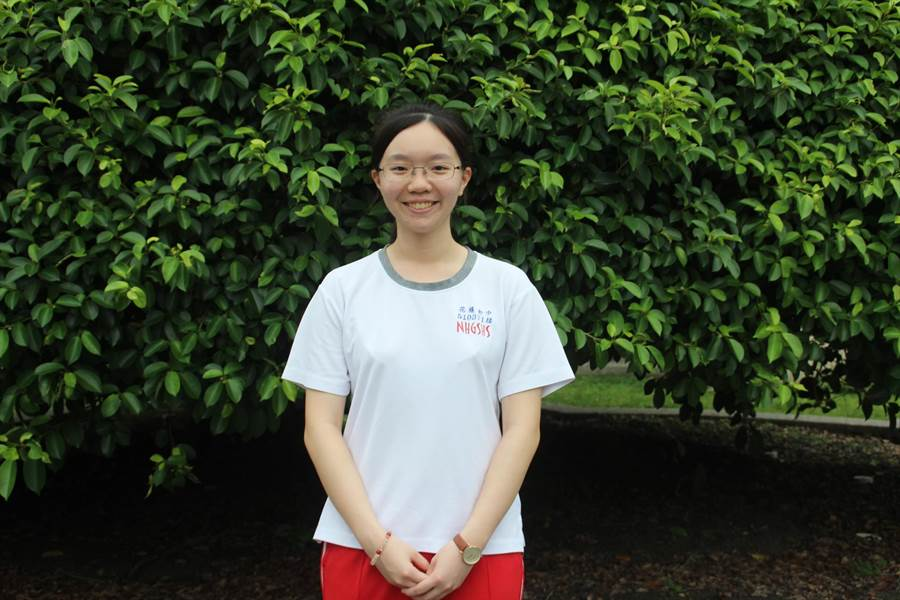 花蓮女中蔡佳陵一舉考上6間國、私立大學法律系,要朝向人權律師邁進。(張祈攝)