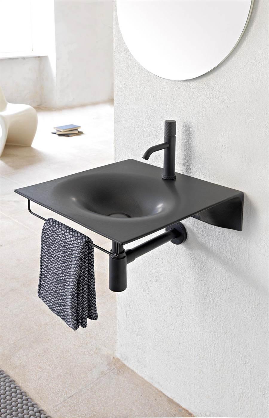 Scaerabeo Veil系列,以「極致輕薄」設計,挑戰陶瓷厚度超薄極限,提升內盆的使用空間。(麗舍提供)