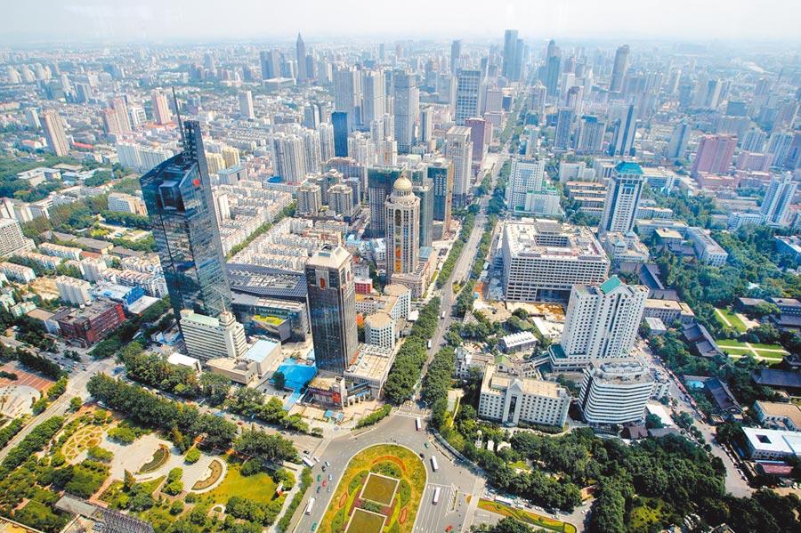 台胞在大陸購房,仍有很多障礙。圖為南京鼓樓以南地區。(中新社資料照片)