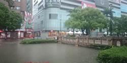 雷雨狂轟!桃竹15縣市景象驚人