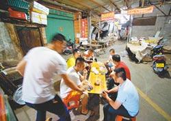 年輕人吃氛圍 陸宵夜市場火爆