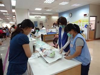 放下手機走出舒適圈 學生當醫院志工