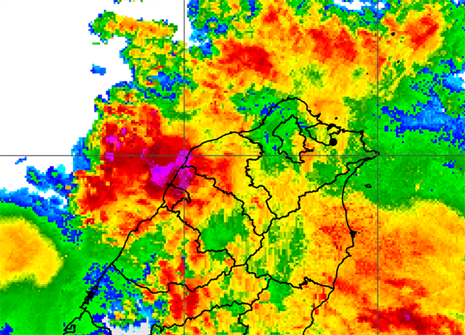 不斷更新》大雷球進攻!15縣市雨彈兇猛