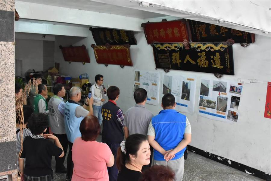 連接台北市、新北市的華中橋通車44年已老舊眾所詬病,新北市中和區公所日前舉辦施工前說明會。(葉書宏翻攝)